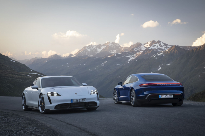 Porsche презентовала свой первый спортивный электромобиль 01